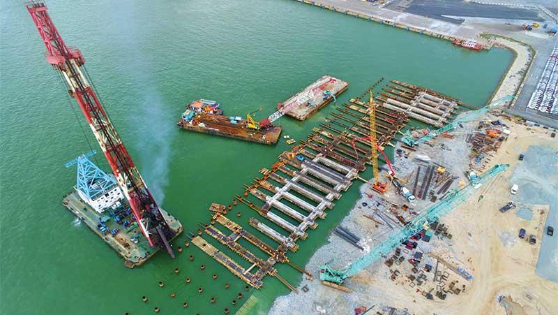 Construct Grand Port of Al Faw